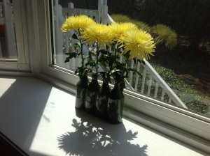 LOVE my vase and fresh yellow flowers.
